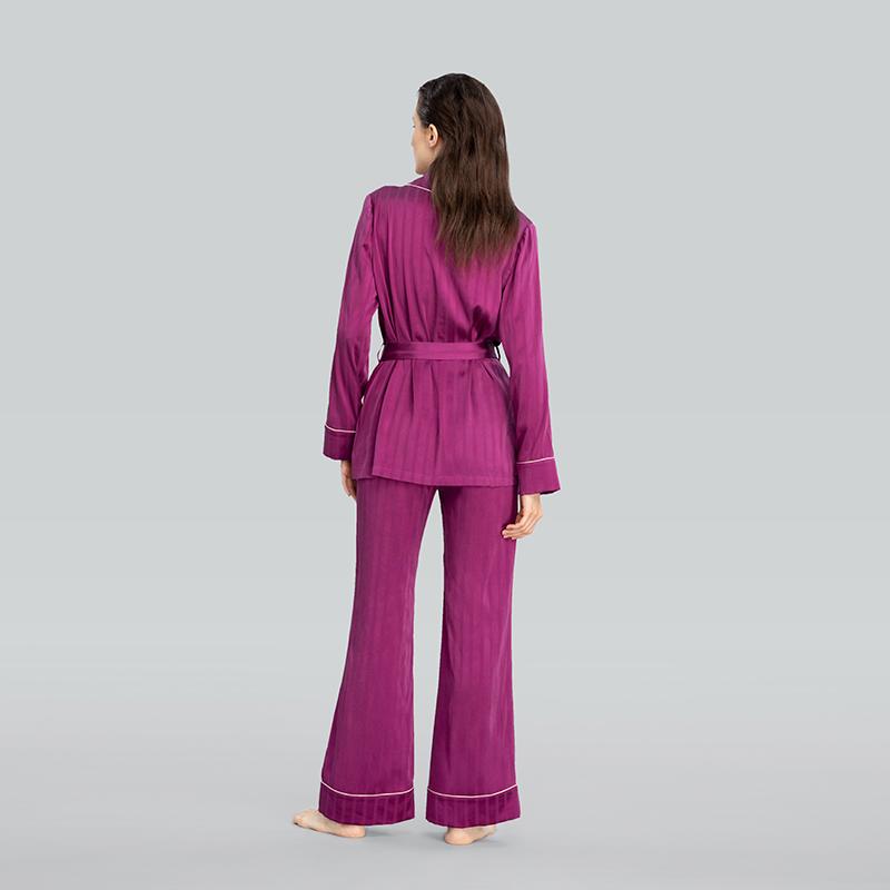 Embossed 睡袍套装