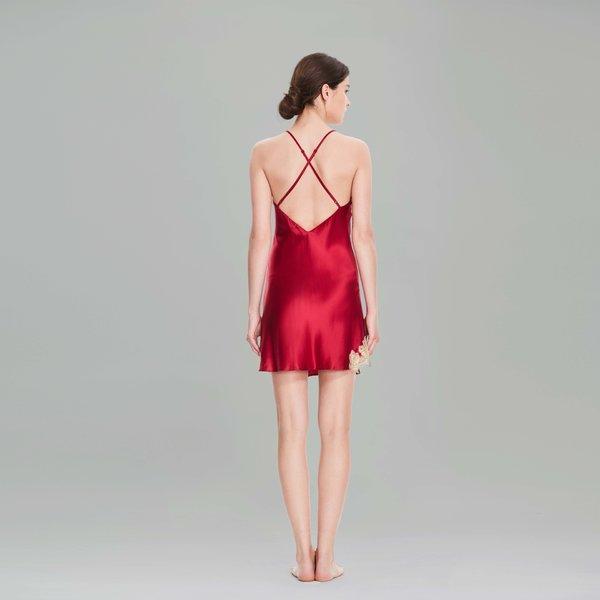 蕾丝吊带睡裙